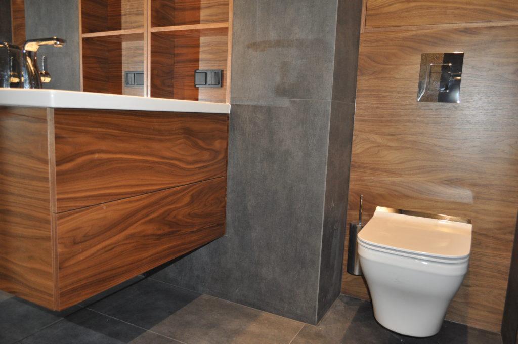 łazienka w stylu drewnianym