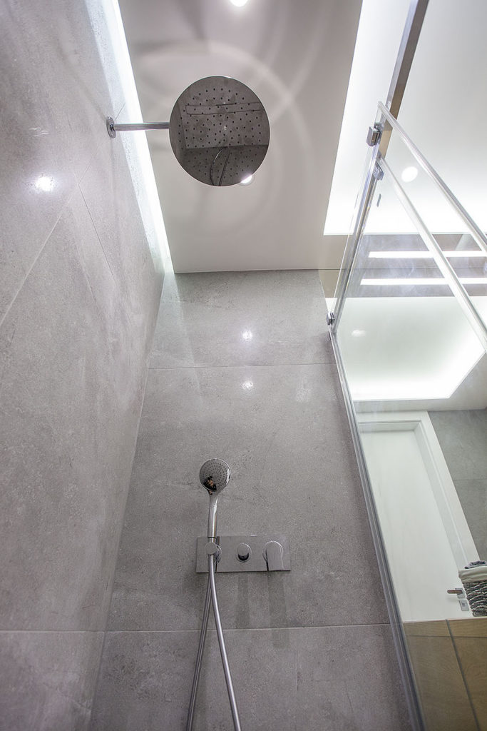 prysznic podwójny