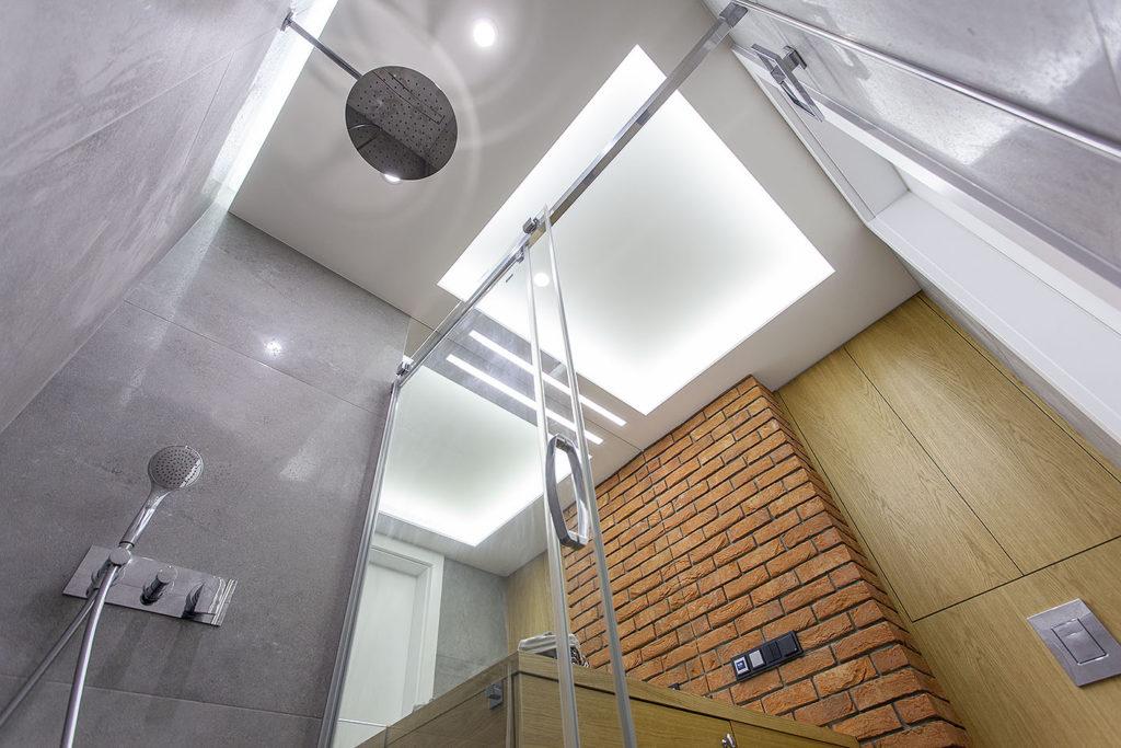 prysznic widok z dołu