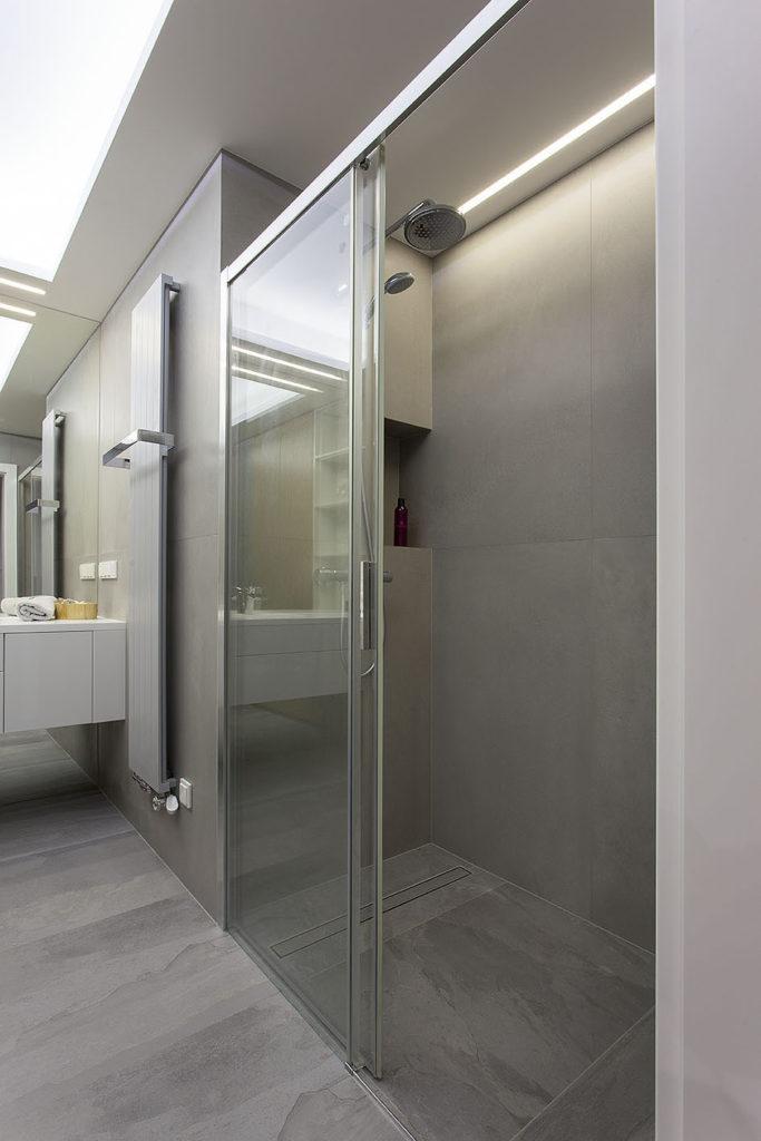 duża kabina prysznicowa